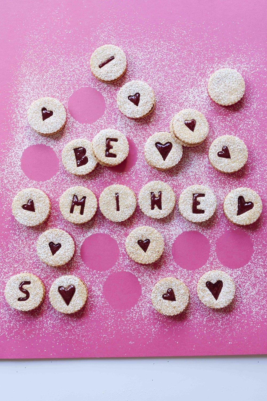 valentines linzer cookies.jpg