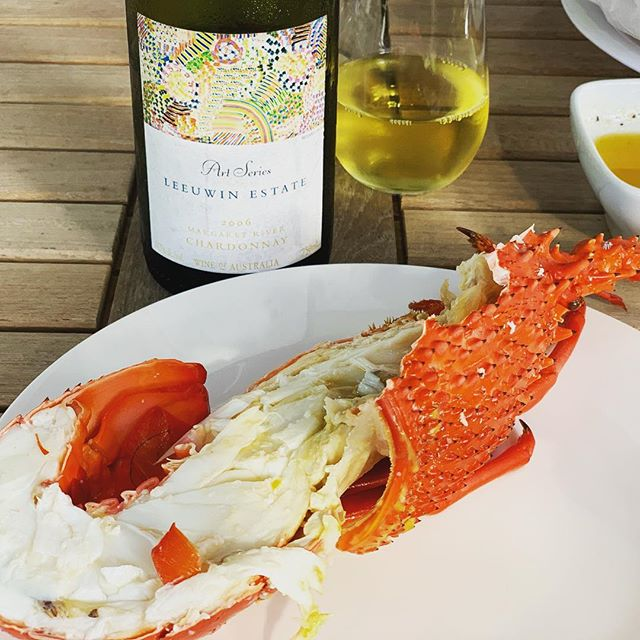 Fresh lobster 🦞, garlic butter and a bottle of 2006 @leeuwinestate Art Series Chardonnay! A perfect combination 👌  #betterthanitlooks #foodporn #wineporn #seafoodlover #lobstertime #christmaseating #farmtime #ranchorelaxo #chardonnaylover #westernaustralianwine #southcoast