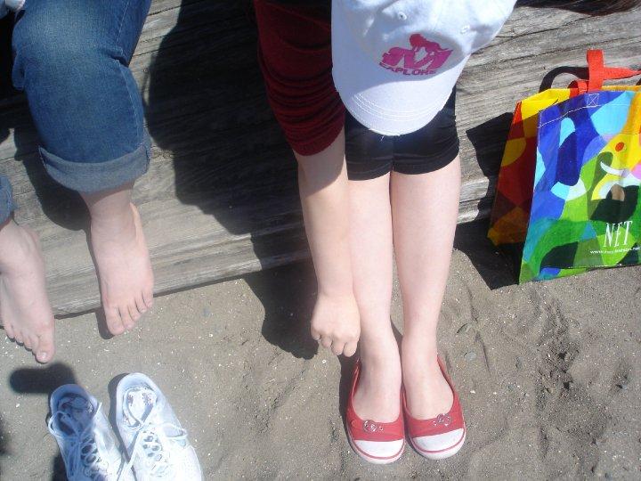 2010 一起在 English Bay 從小白豬變成小黑豬