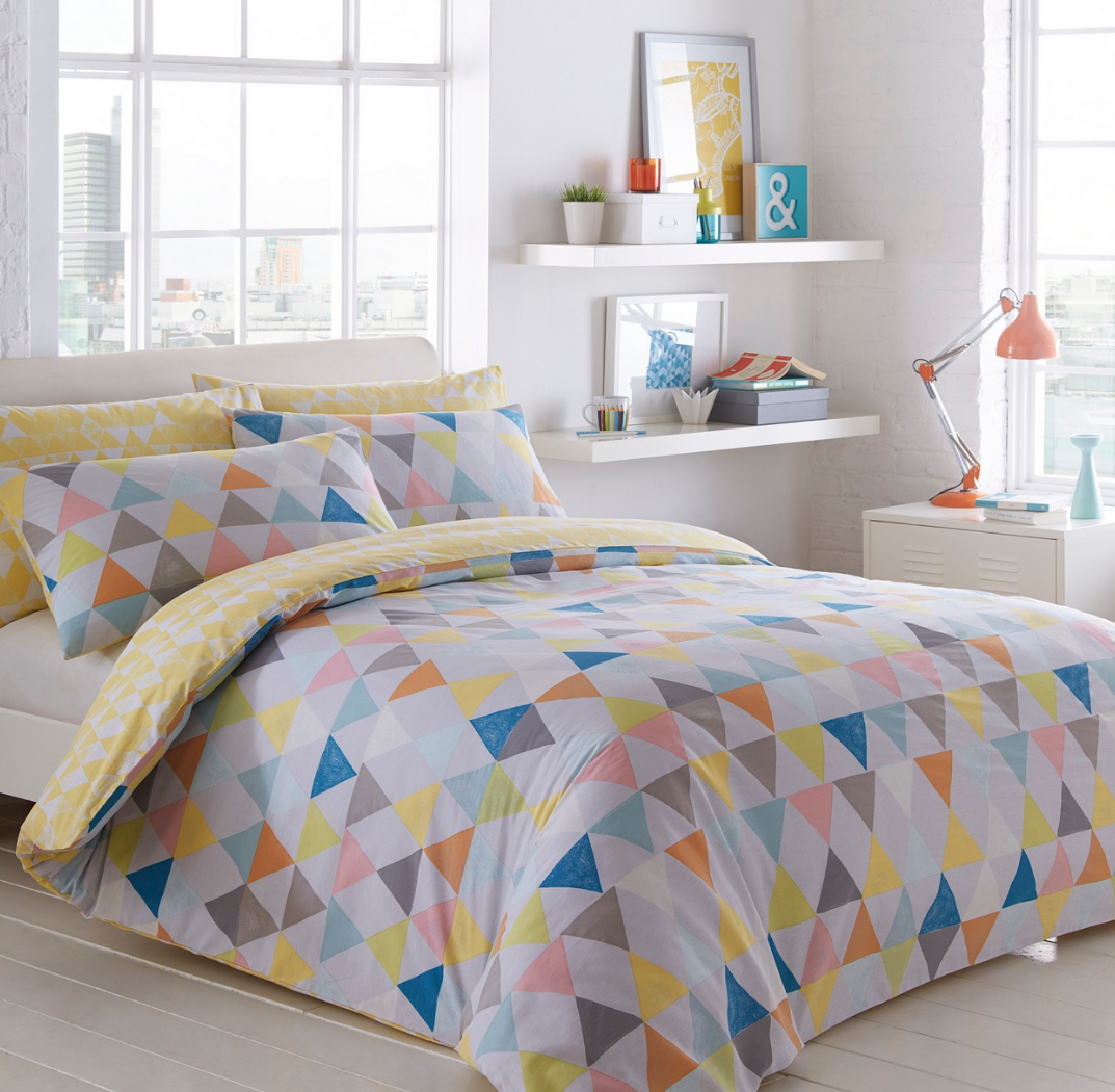 Homeware lizzie lees triangles crayon bedlinen gumiabroncs Image collections