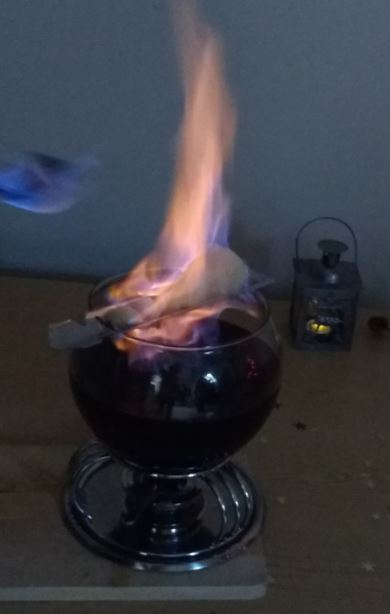 Feuerzangenbowle -fire-tongs punch