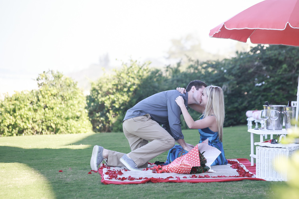 umhlanga proposal engagement oyster box photography kissing