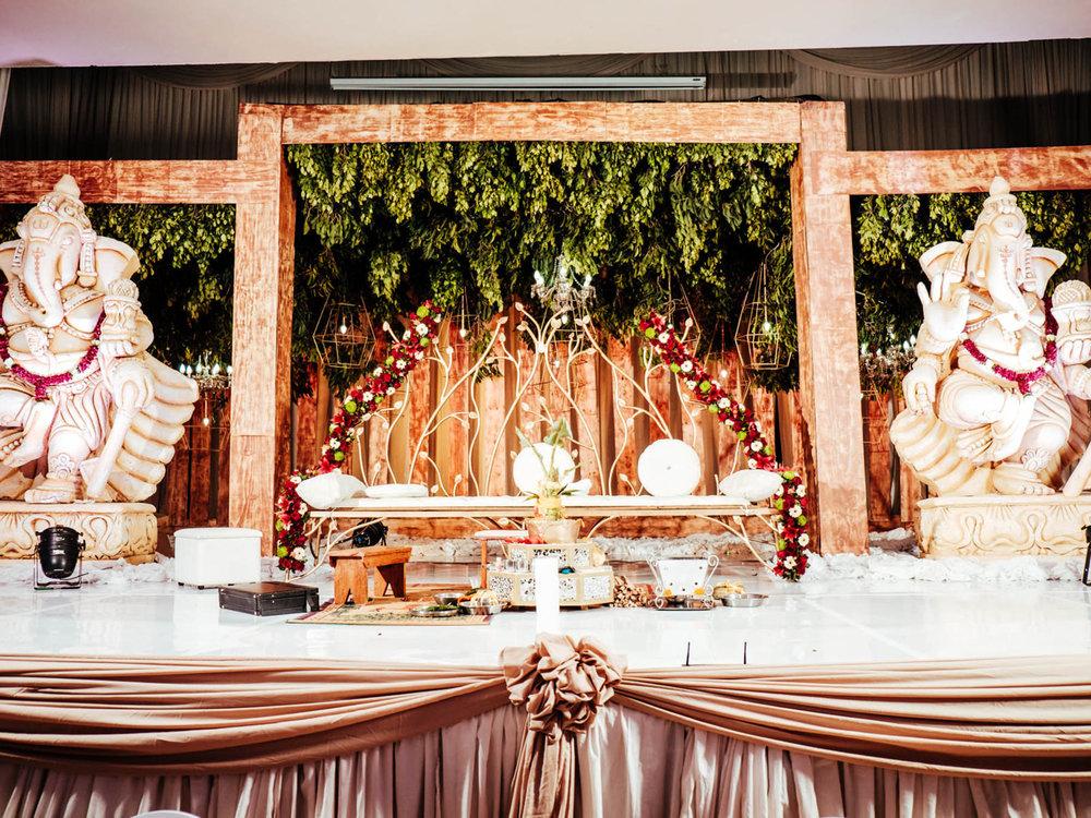 Kendra Wedding Photography rbadal stage