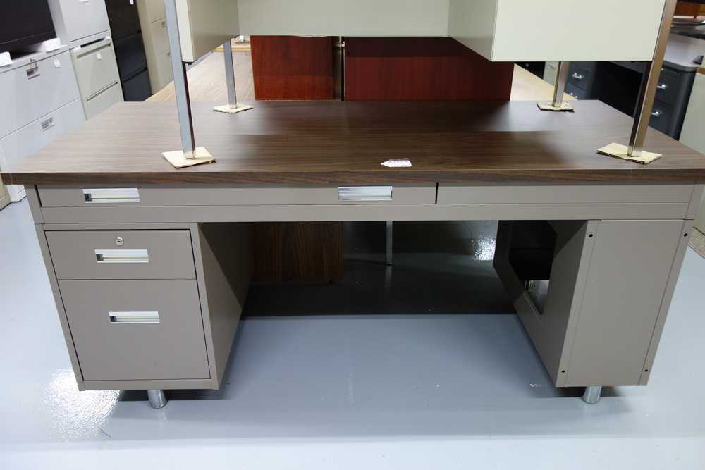 Desk marked at $139