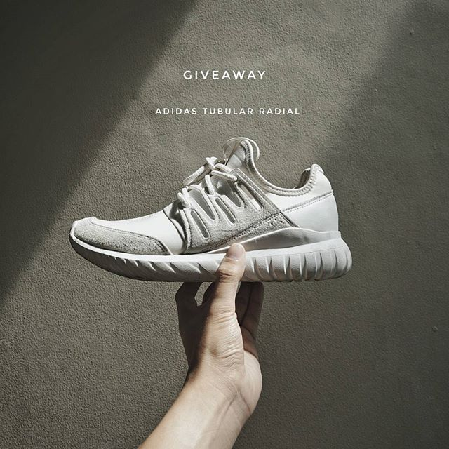 Hi I'm Giving away my Tubular Radial size US 9  T&C 1. Repost this picture 2. Follow mention and tag my instagram tag #blgiveawaytubular 3. Mention 3 friends who loves sneakers  Time limit until 15 Nov 2017 - 00.00 Am  Enjoy and good luck!