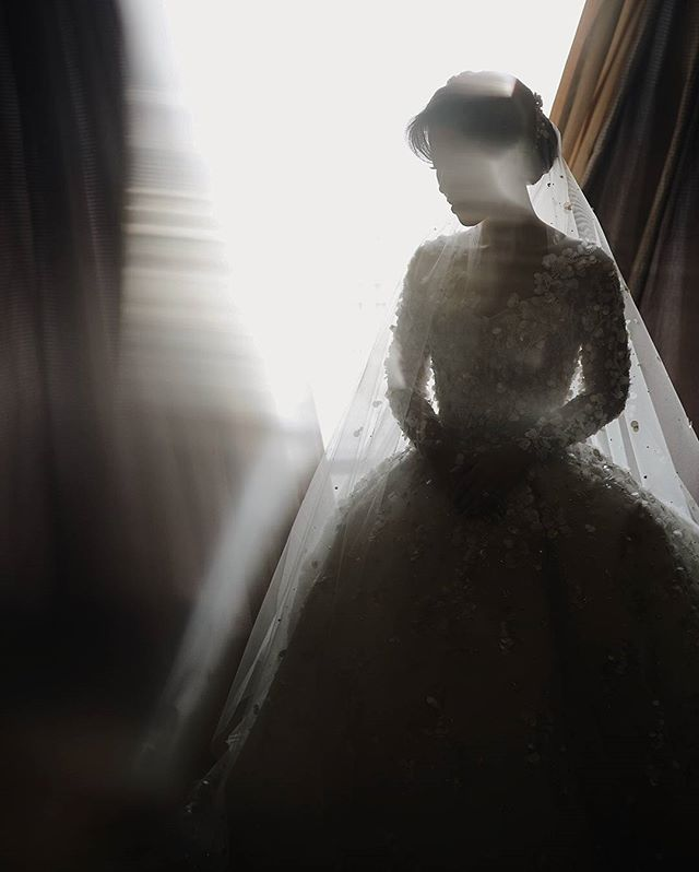 Portrait of @anitapangestan in @yeftagunawan dress  Courtesy of @nominapics  #nominapics #nominawedding #nominabyben