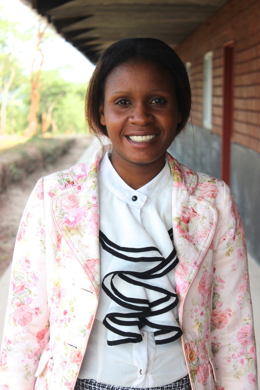 Gloria Lunkuntwe :: Kindergarten Teacher