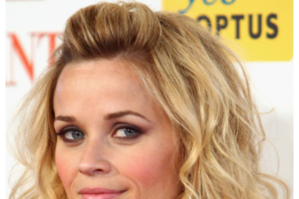 Reese rocks this mini pouf amazingly well, this is also a must hairstyle if you are growing out bangs, FYI!