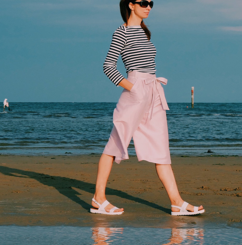 Pattern: Semi-Flared Culottes no 14 (She Wears the Pants)