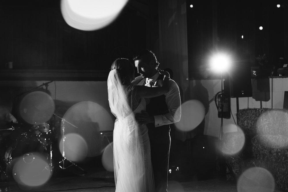 Steven Parry Photography / Bride & Groom Dancing / Sugar Loaf Barn