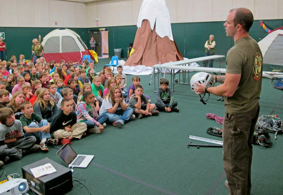 Pack Rat teaching kids on how to experience the outdoors.