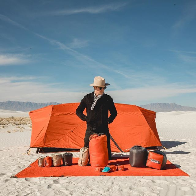 Gang's all here. ⛺️ - Planning a westbound adventure? Check out our friends @andrewbennettphoto + @dorothy.megan, and stay tuned for a few more shares from their Parks tour. These are the good places. #CampKammok