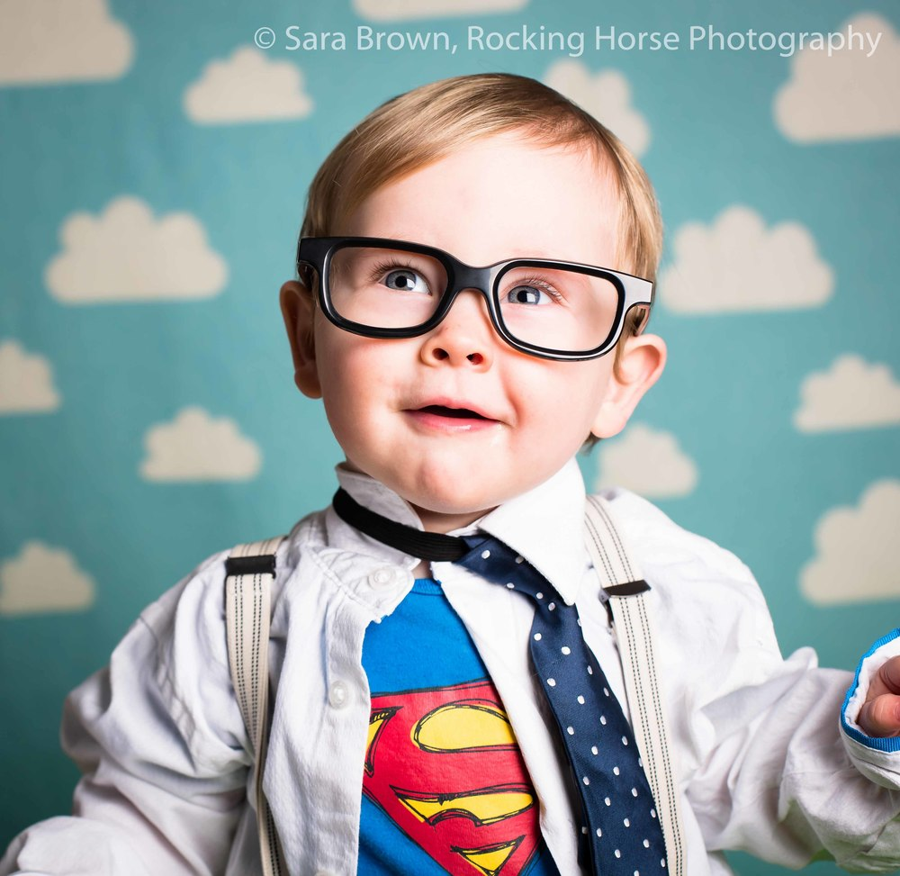 superhero-themed-mini-shoot-phootgrapher-baby-sensory-tommys-winning