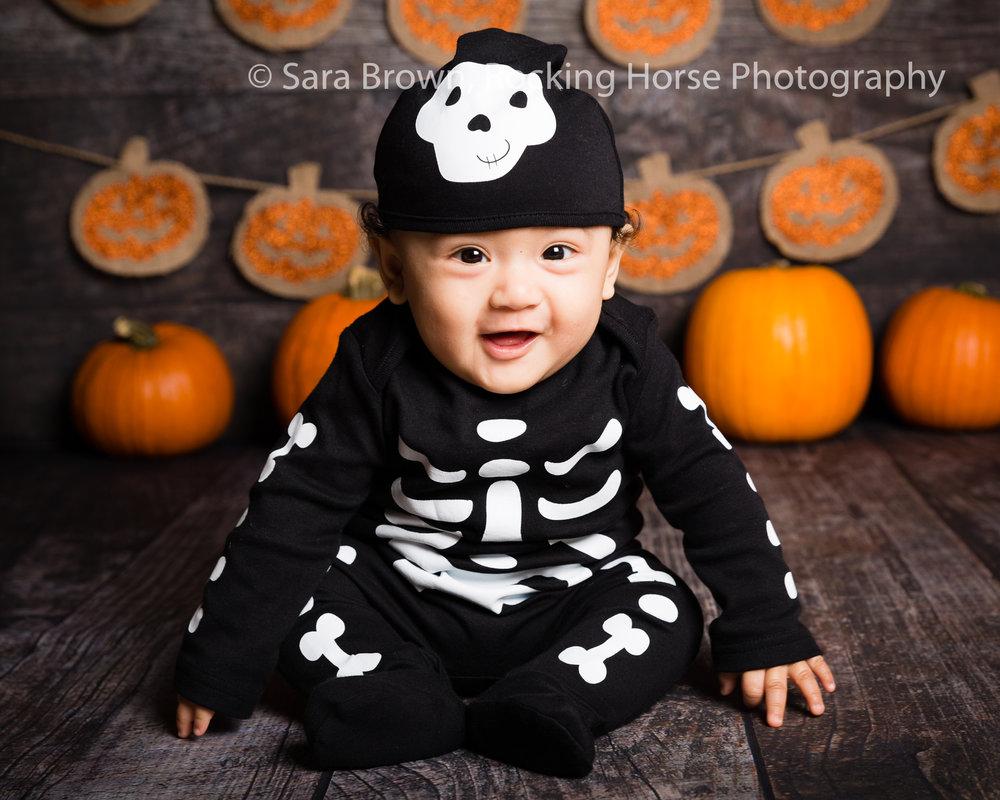 bones-skelleton-suit-baby-photo-themed.jpg