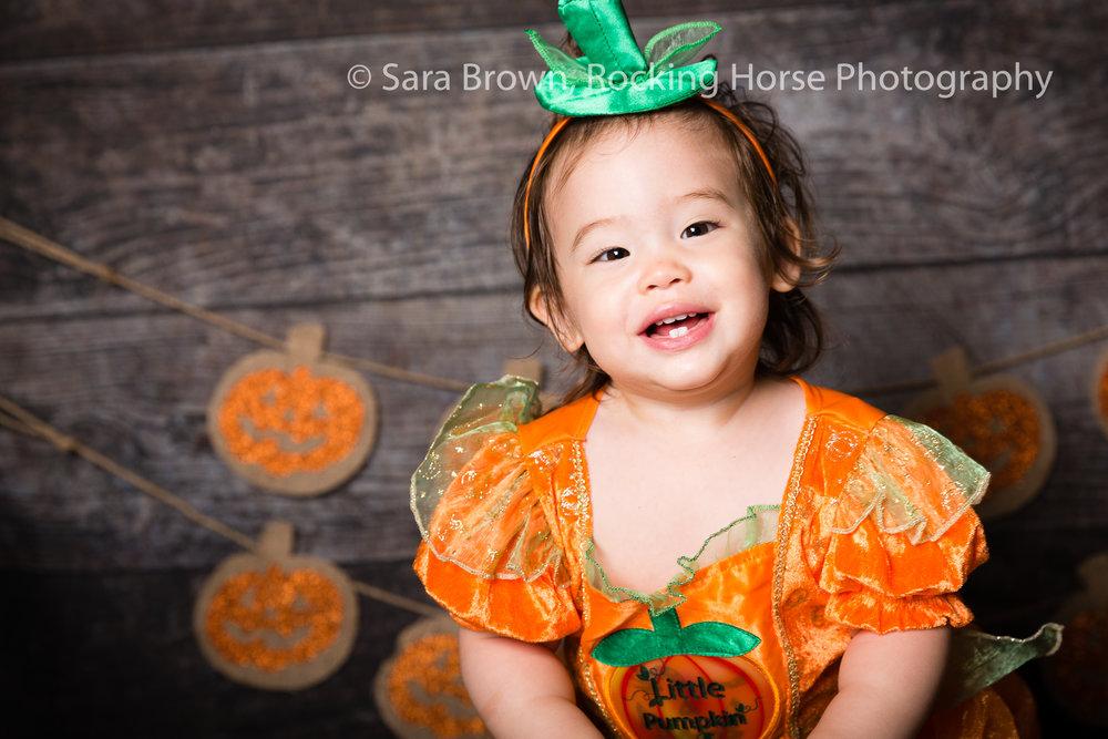 pumpkin-princess-photo-toddler-3L4A2302.jpg