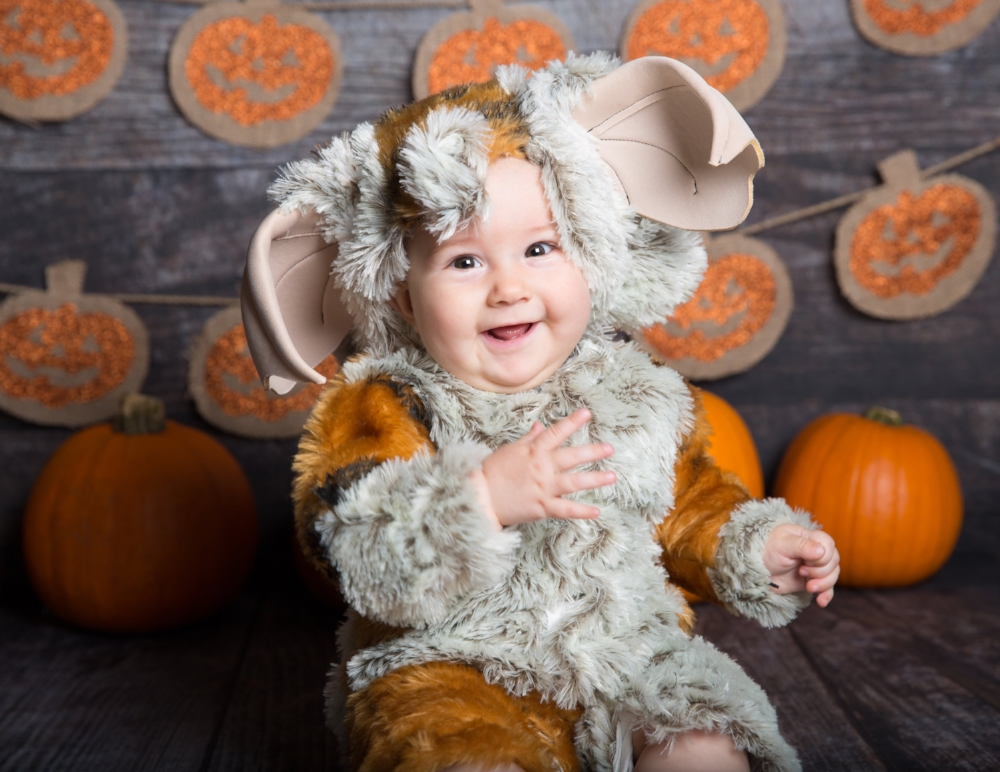 halloween-theme-photo-baby-london-pumpkin