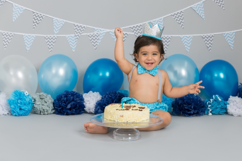 first-birthday-cakesmash-photo