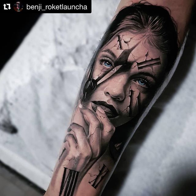 #SecondSkin user @benji_roketlauncha on this gorgeous (time)piece ・・・ Clasiic time girl piece, tried to put my own spin on it. 🤙🤙 bottom not finished yet. @realbarbarapalvin  #silvergang @intenzetattooink  @oztattskincare @kailuastudio @inkjecta @metrixneedles #intenzetattooink #inkjecta #bnginksociety #inkjectapro #hustlebutterdeluxe #hushanesthetic #truetubes #stencilstuff #eikondevice #tattoodo #tattooedbodyart #tattooistartmag #tattoolifemagazine #inkedmag #inksav #savemyink #im_gallery #inkig #inkeeze #thebestchicanotattooartists #artcollective #tattoodo #inkjunkeyz #skinartmag #inkedmag #intenzfamily #metrixneedles