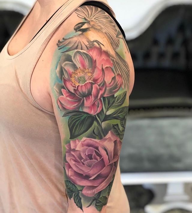 This gorgeous floral sleeve made by #SecondSkin user @jeremy_corns_tattoos. I'm looking forward to meeting you and the rest of the shop at @musink_tatfest 🤘🏼 ・・・ 100% HEALED and unedited. I feel strongly that using a healing bandage from a great company like @secondskintac that protects the tattoo completely during the heal, gives a much more vibrant true look to the piece that keeps saturation where it needs to be. Less fallout of color and a much quicker, mess free heal leads to a better final product of the tattoo. This piece was tattooed using all @eternalink . @fkirons @releaf_products