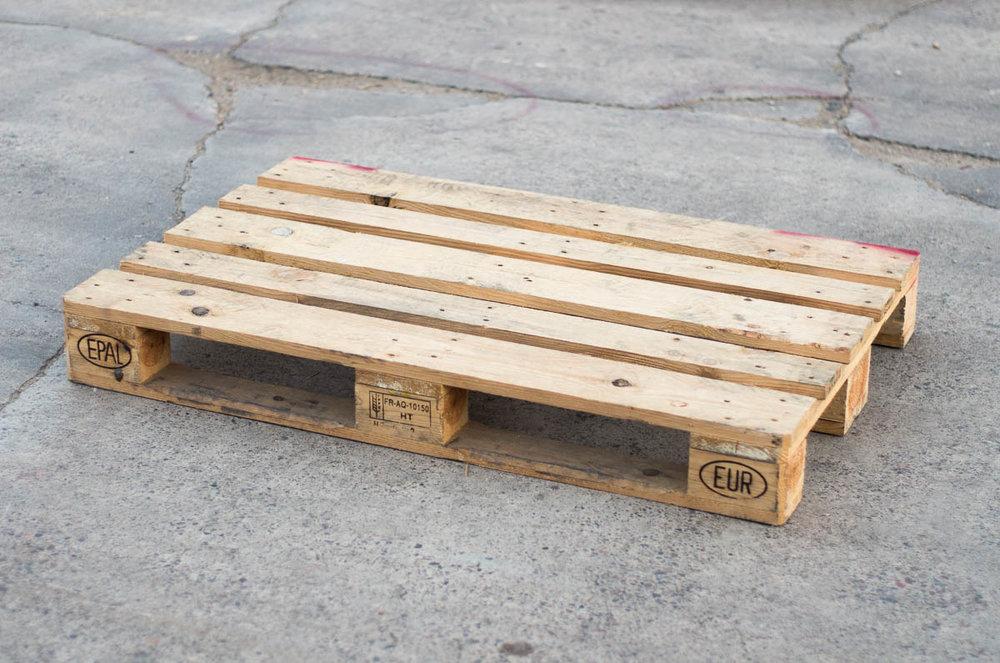 "47"" x 31"" EURO / EPAL - Block Style"
