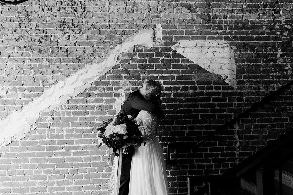 LoftOnPineLongBeachWeddingRandBDawnCharlesPhotographer-138.jpg