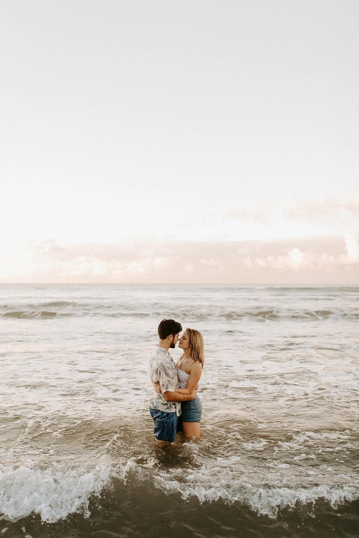 KauaiHanaleiBayCouplesSessionKimandCurtisDawnCharlesPhotographer-175.jpg
