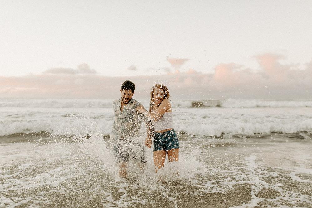 KauaiHanaleiBayCouplesSessionKimandCurtisDawnCharlesPhotographer-277.jpg