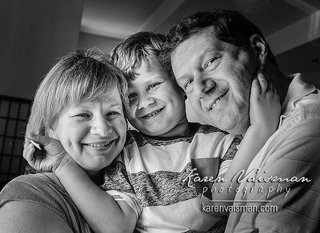 family portrait thousand oaks photo studio conejo valley happy children black and white woodland hills