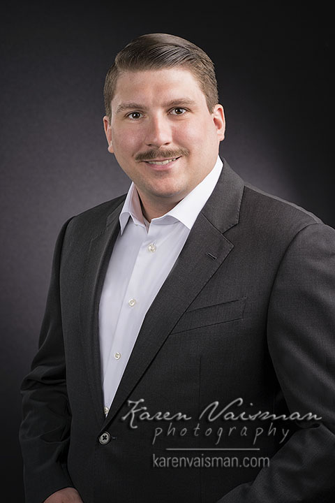 Images with STYLE - Make your mark online with a GREAT HEADSHOT. Karen is the way to go...  (818) 991-7787