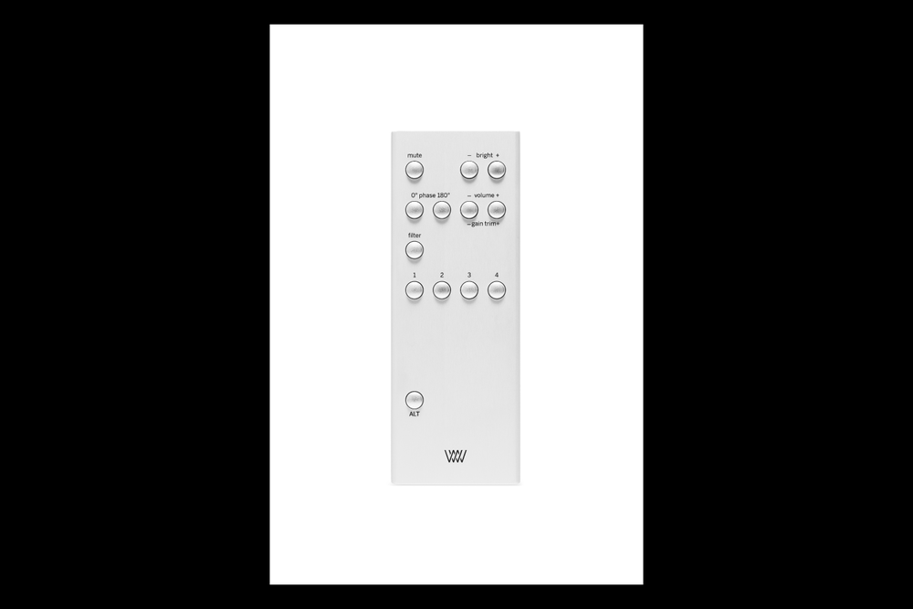 pd-weiss-medus-s-remote-01.png