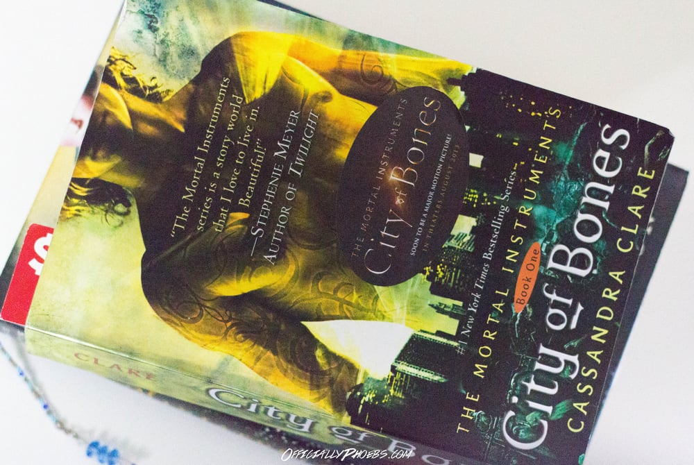 City of Bones by Cassandra Clare | OfficiallyPhoebs Blog