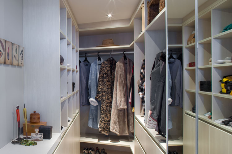 Spacious wardrobe redesign