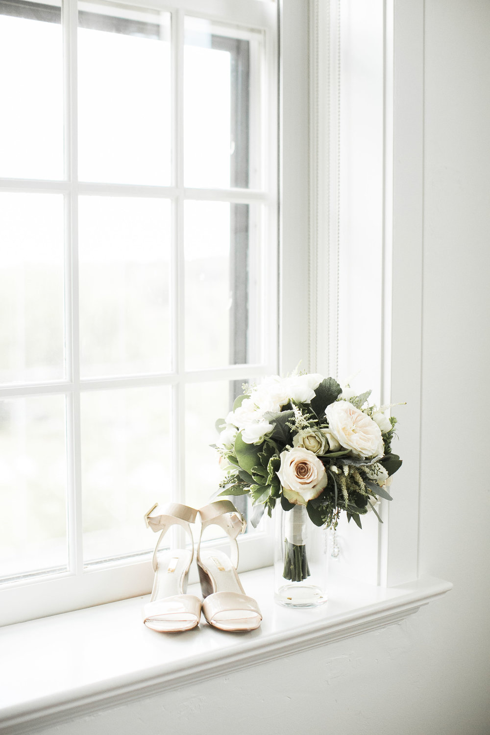 Wedding-Bouquet-Ivory+Bliss-Photography