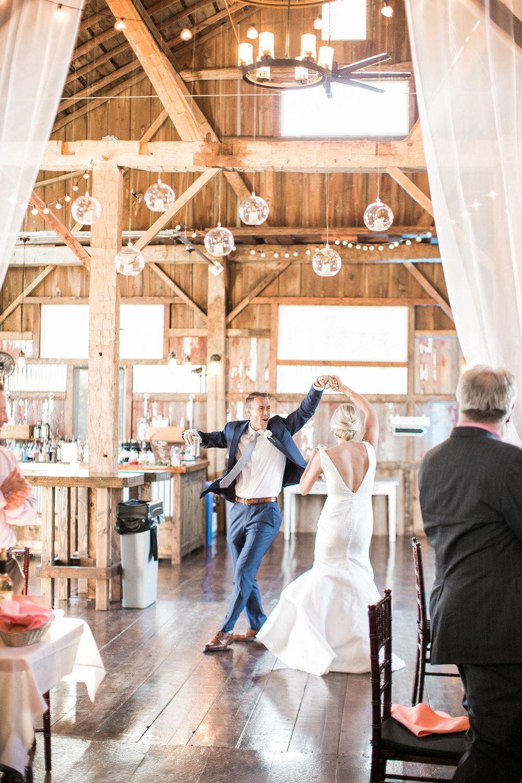 Barn-Wedding-Ivory+Bliss-Photography
