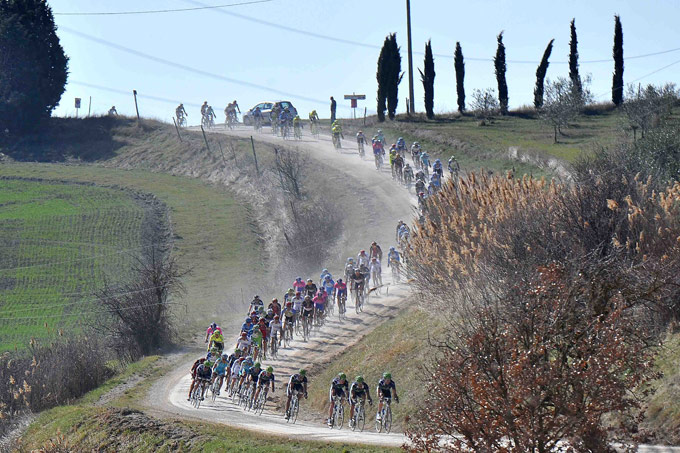 Race-STRADE-BIANCHE-2012