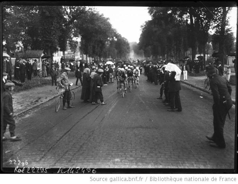 28-7-12, Tour de France, le peloton de tête dans Picardie