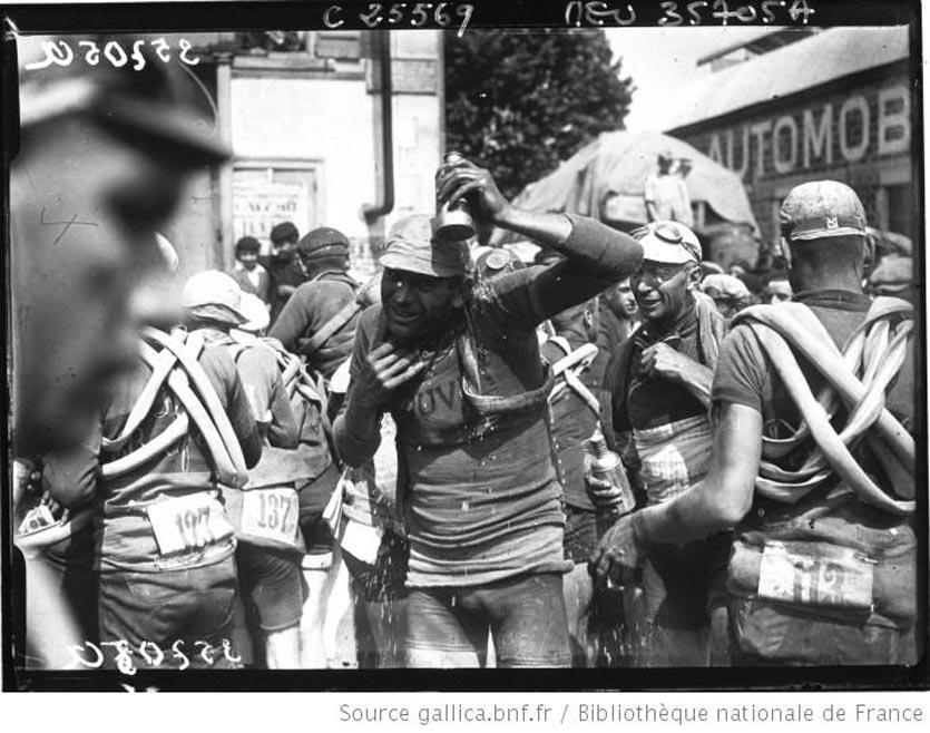 étape Bordeaux Bayonne Van Slembroeck se rafraîchit 1926