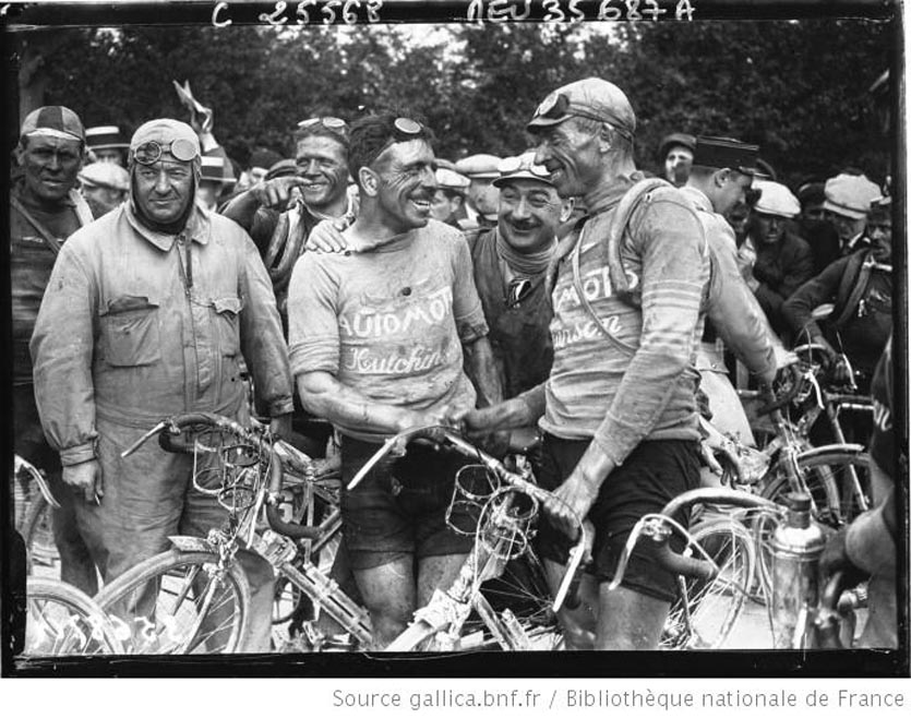Tour de France cycliste  Bottechia félicite Van Dam