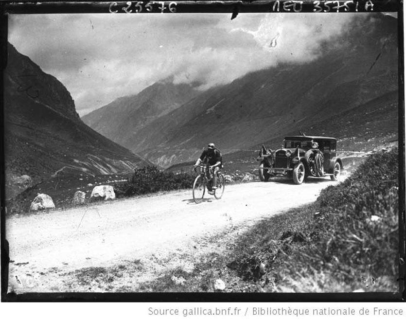 Tour de France cycliste  dans le col de Puymorens L. Buysse s'échappe
