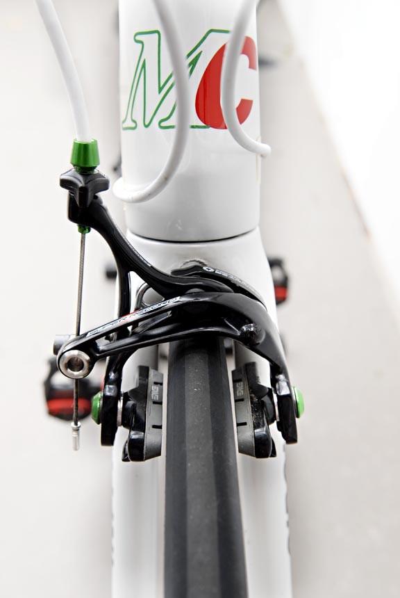 road-racing-bike-e1348462320838.jpg