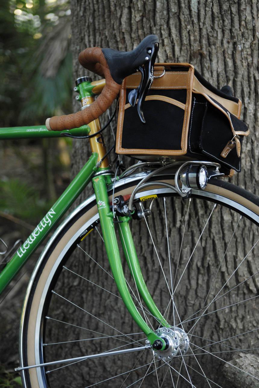 voyageur-llewellyn-constructeur-style-randonneur-bicycle.jpg