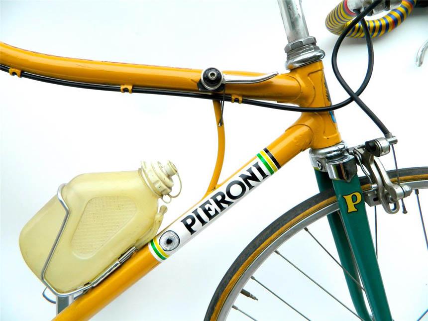 Bent top tube on the Pieroni bike
