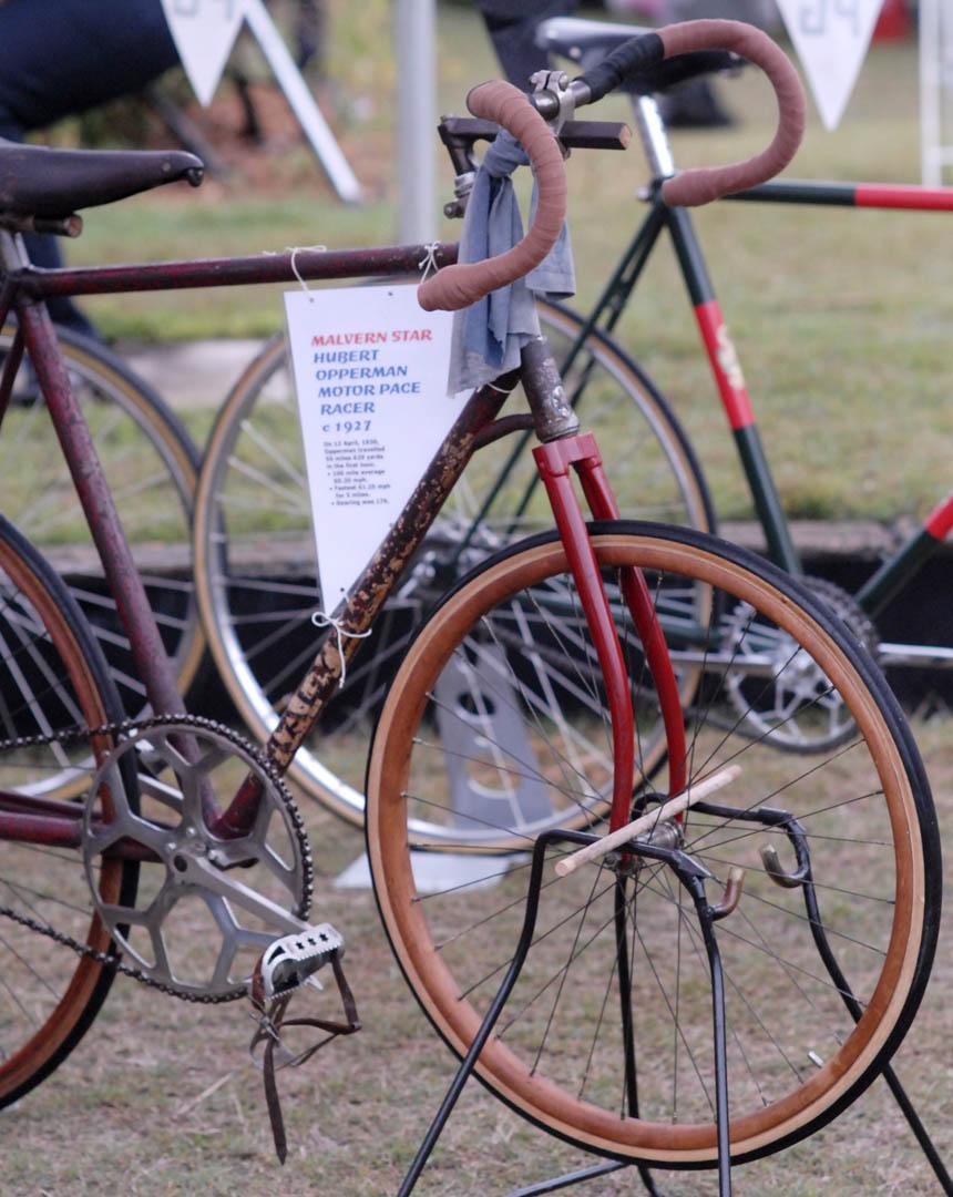 Motor pace Malvern Star ridden by Hubert Opperman