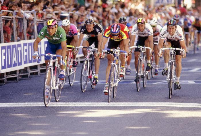 Djamolidin Abdoujaparov in action at the Tour de France