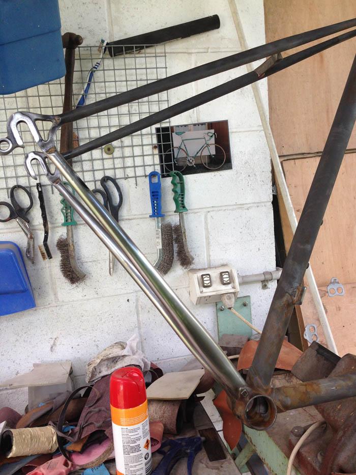 Metal polishing of Columbus TSX chain stays