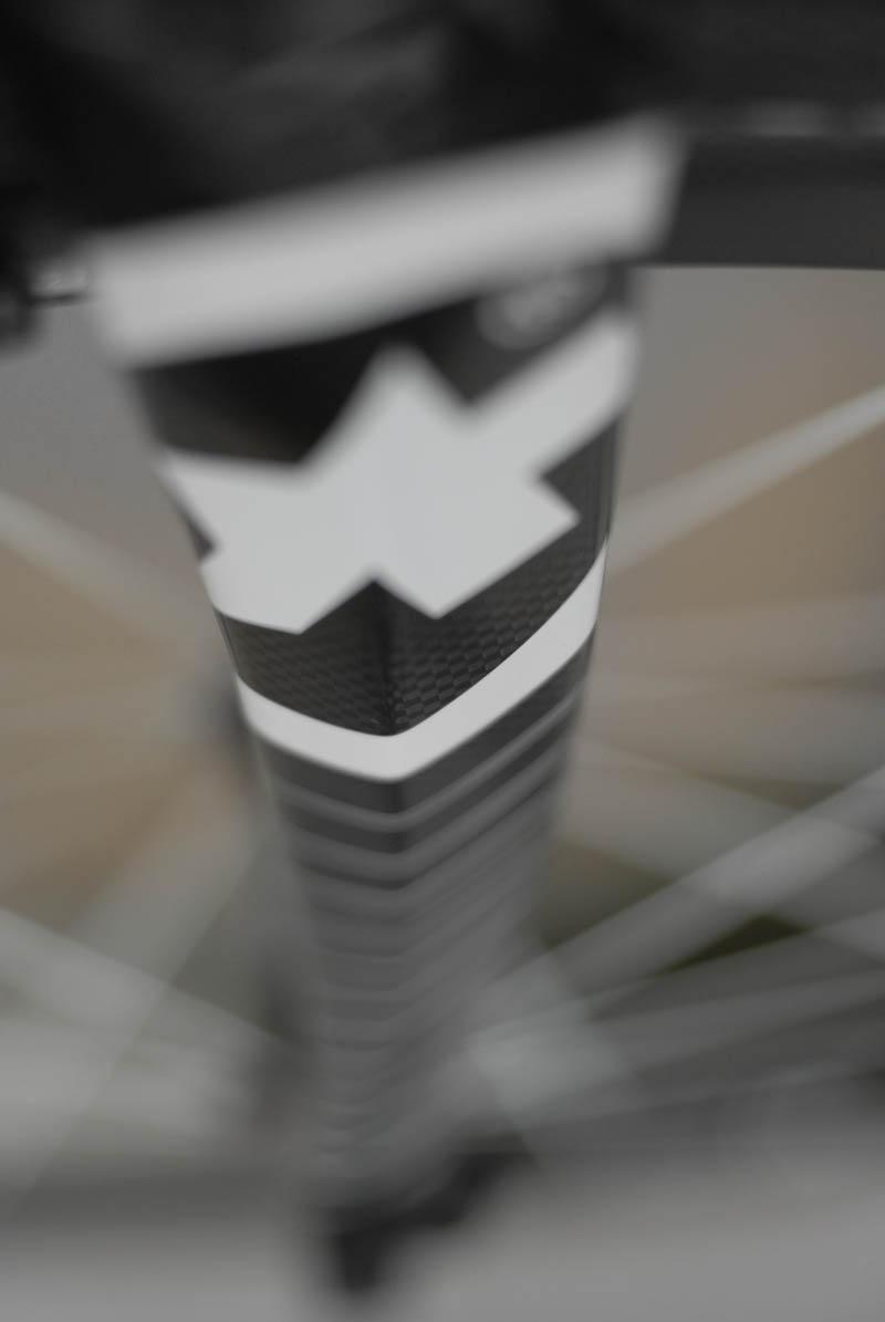 Goomah bike forks, Assos logo