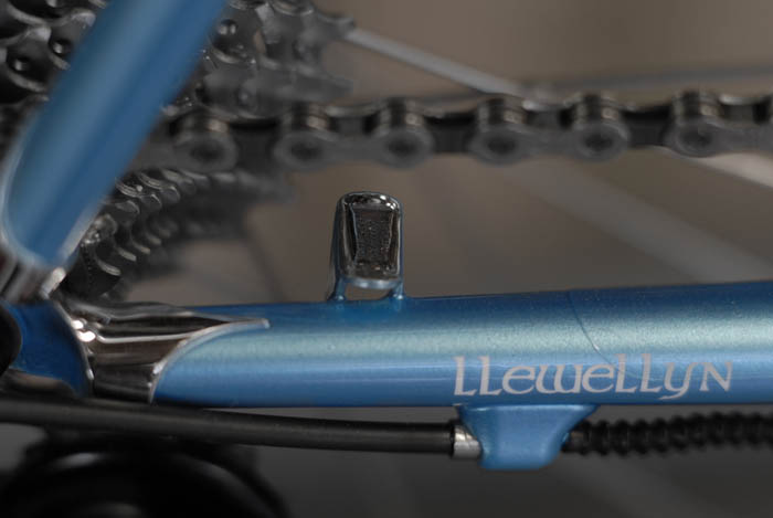 Everything is considered and supplied, cable routing, chain tidy, hand polished lugs.