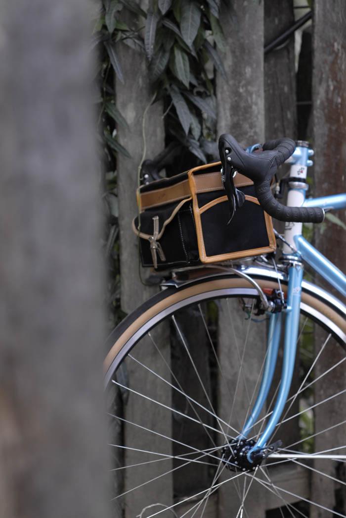 Front of Llewellyn custom randonneur bike