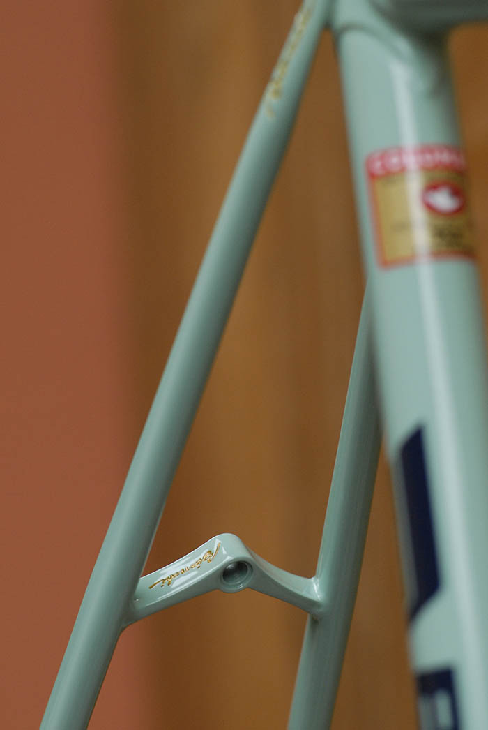The beautiful Silva bridge that Bianchi installed in most but not all X4's