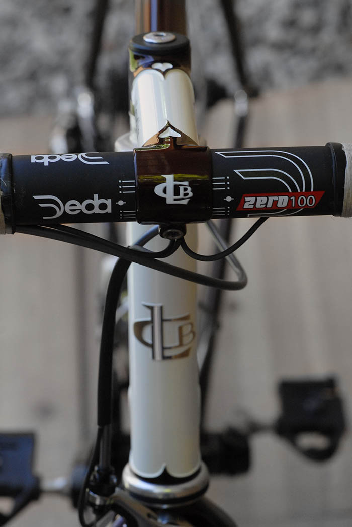 Deda Zero 100 handlebars, always a popular choice.